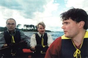 Tervasoutu Suomussalmen itärajalta Juntusrannalta Kiantajärvelle, kohti Oulua. Olemme samassa veneessä.