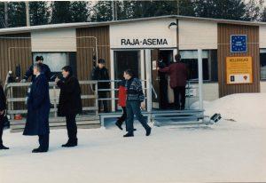 img101, Sallan raja-asema 1996, AARO TIILIKAINEN, MARS ETEENPÄIN, RAJA ON AUKI!